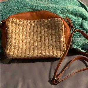 Universal Thread purse